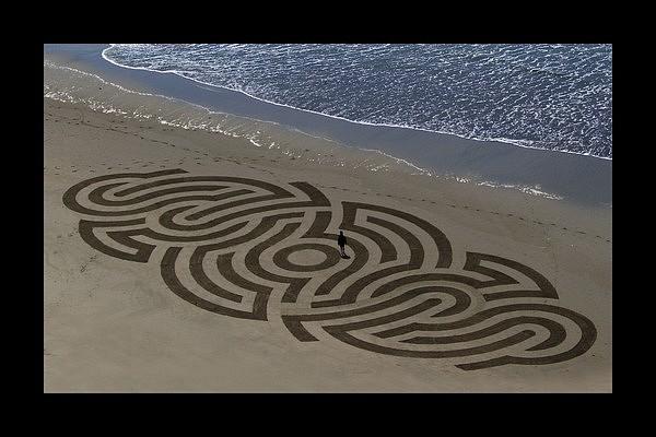 Beach art – posvätná geometria na pláži